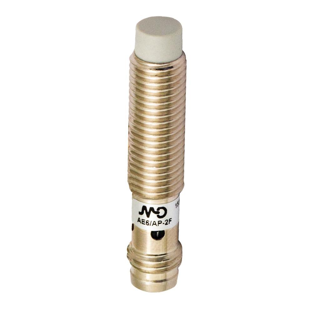 AE6/CP-4F M.D. Micro Detectors Индуктивный датчик, M8 короткий, LD неэкранированный, NC/PNP, разъем M8