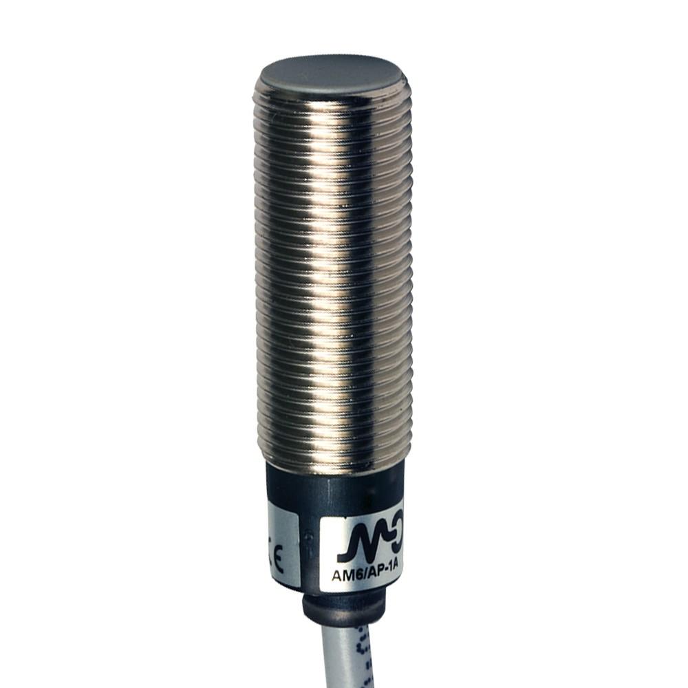 AM6/AP-1A M.D. Micro Detectors Индуктивный датчик M12 короткий, экранированный, NO/PNP, кабель 2м, осевой